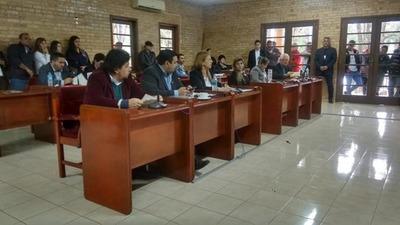 Concejales piden la destitución de la directora de Recursos Humanos