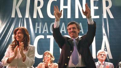 Cristina Fernández inicia su campaña electoral para votaciones de octubre