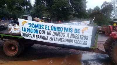 Urgente!!!: Bananeros de nuevo cierran la ruta 7