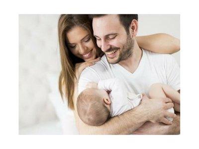 Empresa sube el permiso por paternidad a seis meses