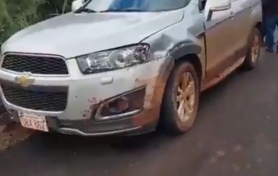 Camión cae al río Yguazú tras choque en angosto puente