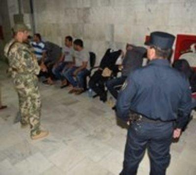 Fiscalía imputa y ordena detención de jefes policiales