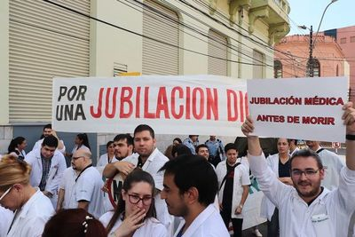 Abdo asegura que jubilación de médicos es inconstitucional