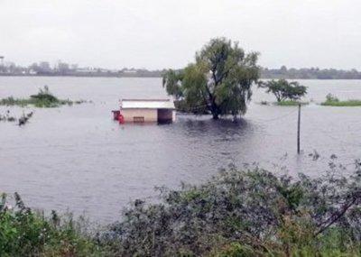 Río Paraguay no deja de subir
