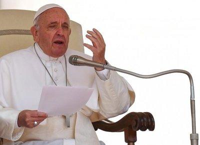 Papa insiste en que el aborto equivale a recurrir a un sicario