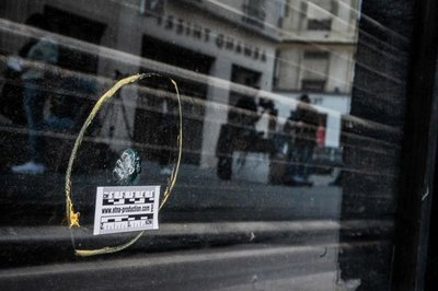 Francia busca a sospechoso después de ataque con paquete bomba en Lyon