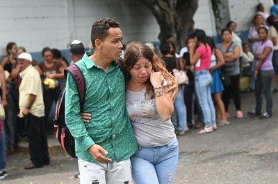 Dolor y rabia tras la muerte de 29 presos en comisaría en Venezuela