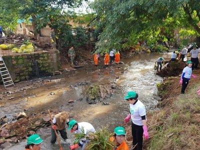 Sigue limpieza del arroyo San Lorenzo