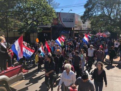 Ciudadanos marchan contra planilleros en CDE
