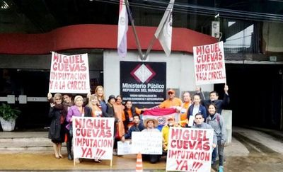 Protesta por la imputación de Cuevas