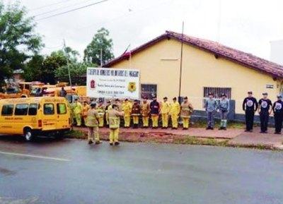 Bomberos opyta sin cuartel en Encar