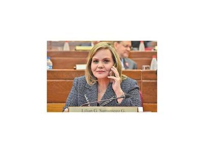 Lilian niega apoyo a candidatos y alega amistad con Brunetti