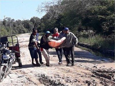 Indígenas Maskoy evacuan enfermos a pie ante la falta de ambulancia