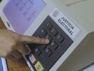 ONG sigue cuestionando uso de urnas electrónicas