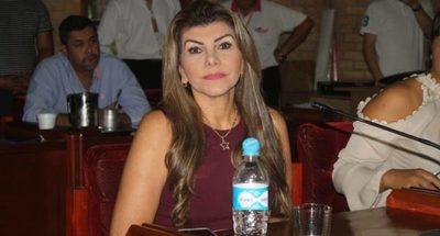 Lilian, Perla y Juan Ángel gastaron G. 51 millones en viaje a Miami