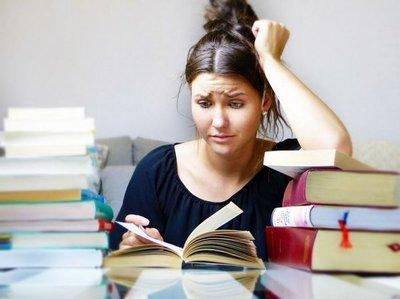 Con dolores musculares, el estrés académico acompaña a los jóvenes estudiantes