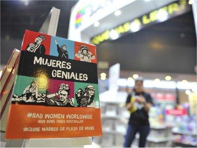 Escritores firman un texto contra el machismo literario
