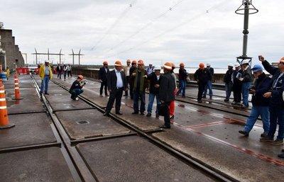 Parlamentarios visitaron Yacyretá para verificar obras de adecuación