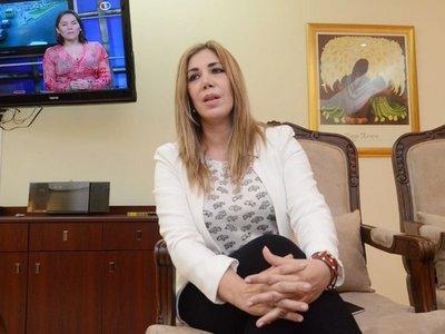 Defensa de ex administradora espera citación de la Fiscalía