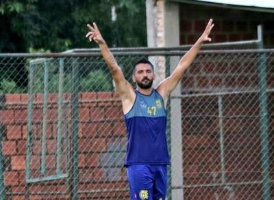 Santiago Salcedo no seguiría en el Deportivo Capiatá