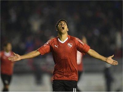 Cecilio anota e Independiente avanza