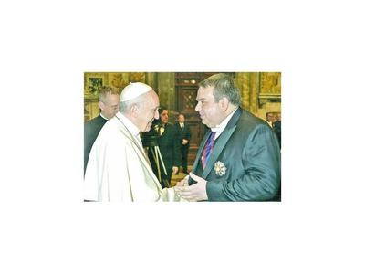 Abdo destituye  a Kriskovich, embajador ante el Vaticano