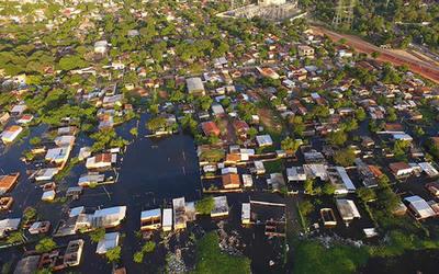 Riada inundó 30 viviendas construidas por la EBY y habilitadas el año pasado