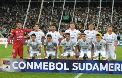 Sol queda fuera de la Sudamericana tras ser goleado