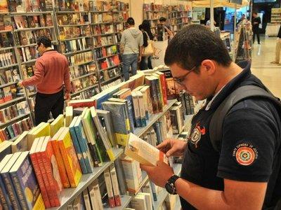 Feria del Libro abre con figuras internacionales y otros atractivos