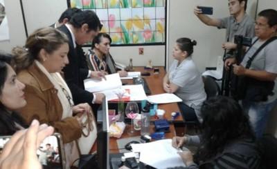 Designan a fiscales que investigarán a Perla Rodriguez