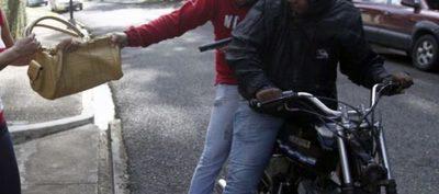 Docente fue asaltada por motochorros