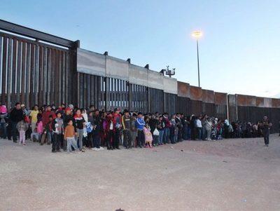 Cifra récord: EE.UU. arrestó a 1.036 inmigrantes en frontera con México