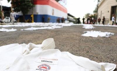 HOY / Médicos van a huelga general desde el 17 de junio