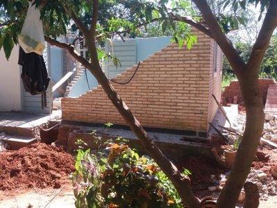 Reconstruyen viviendas sociales que estaban a punto de derrumbarse