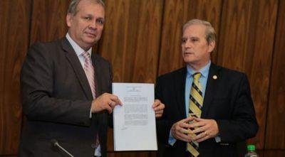 Ferreiro pone trabas a proyecto habitacional, dice Durand