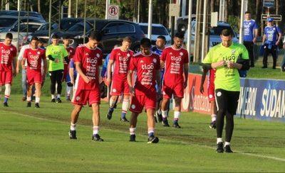 """El fútbol paraguayo aporta a dos de los más """"veteranos"""" de la Copa"""