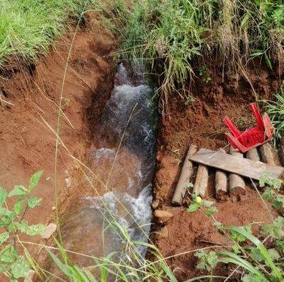 Constatan desvío de un cauce hídrico en una propiedad en Caazapá