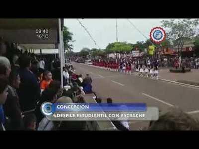 """Escrachan a intendente en pleno desfile estudiantil """"Tati mondaha"""""""