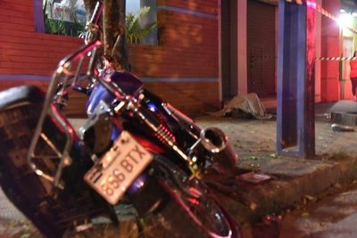 Motociclista muere tras persecución en Luque