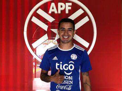 Derlis González se unió a la Albirroja