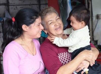 Las Kuña Guapa reciben beneficios gracias a la primera dama de la nación