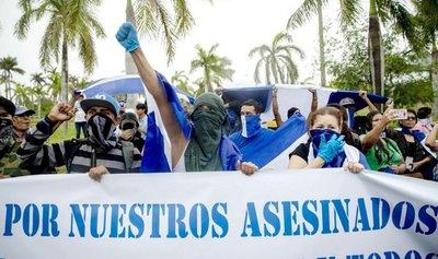 Dictadura de Nicaragua cierra comercios que hicieron huelga