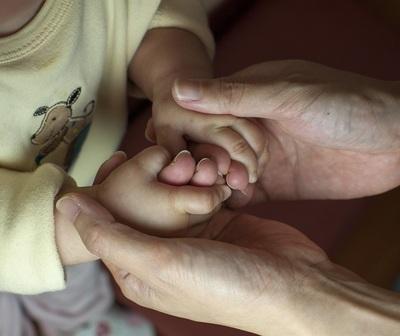 Abuelos que cuidan a sus nietos dejan marcas en el alma