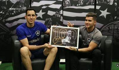 """""""Gatito"""", con 100 partidos en Botafogo"""