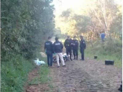 Asesinan a dos hombres en un camino vecinal en Paraguarí