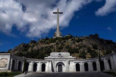 España: suspenden exhumación de restos de Franco
