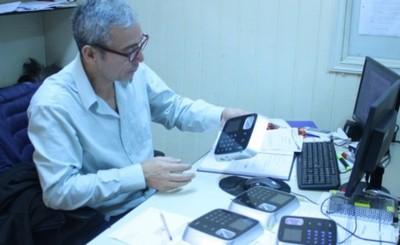 Municipalidad recibe donaciones de relojes biométricos