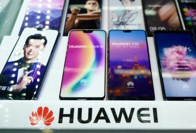 Huawei reducirá producción de smartphones