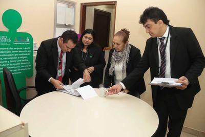 Se realizó control de horario de ingreso de funcionarios y magistrados