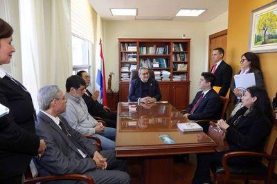 Ministro Fretes con miembros de la ARP y Senacsa